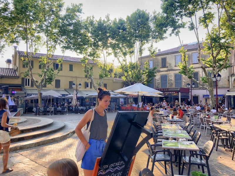 Kleiner Marktplatz in Saint-Cyr-sur-Mer