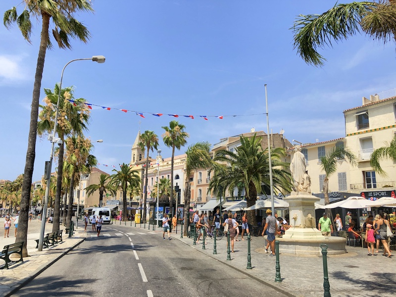 Promenade in Sanary-sur-Mer, bei Cassis, Calanques Küste