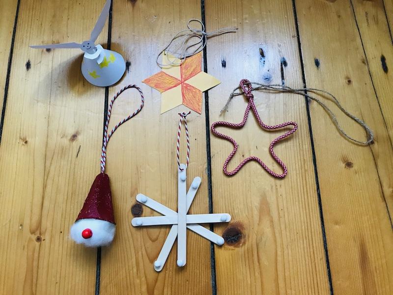 Nachhaltiges Weihnachtsfest - Selbst gebastelte Weihnachtsbaumdeko