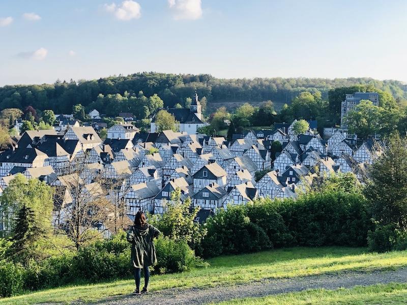 Ausblick auf die Fachwerkhäuser in Freudenberg