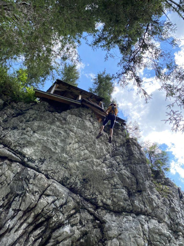 Abseilen Kletterwand, Bergabenteuer