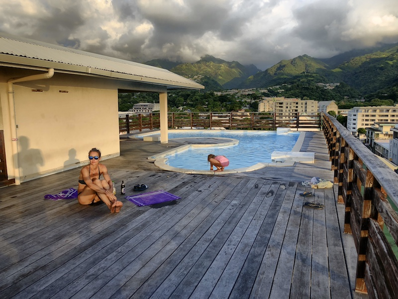 Dachpool auf Tahiti