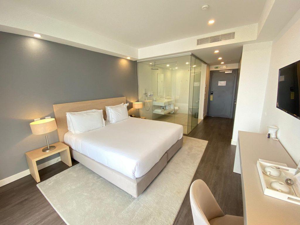 Zimmer im Longevity Hotel in Portimao, Portugal