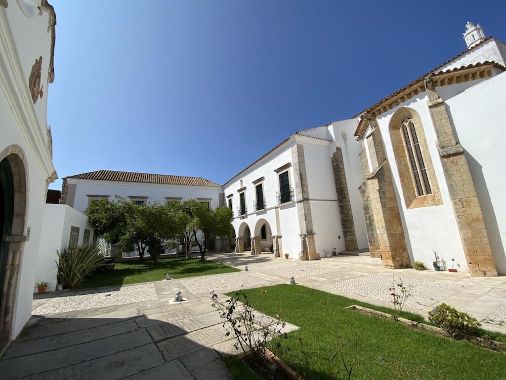 Kirchhof, Faro